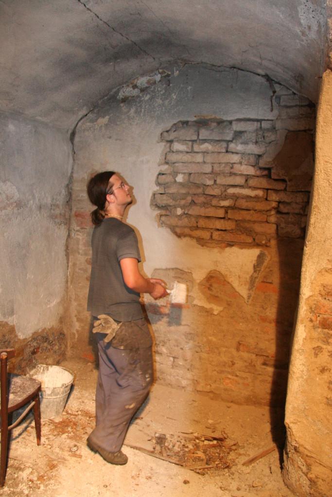 16. června 2005 Ten flíček na zdi asi sádrovat nebudeme