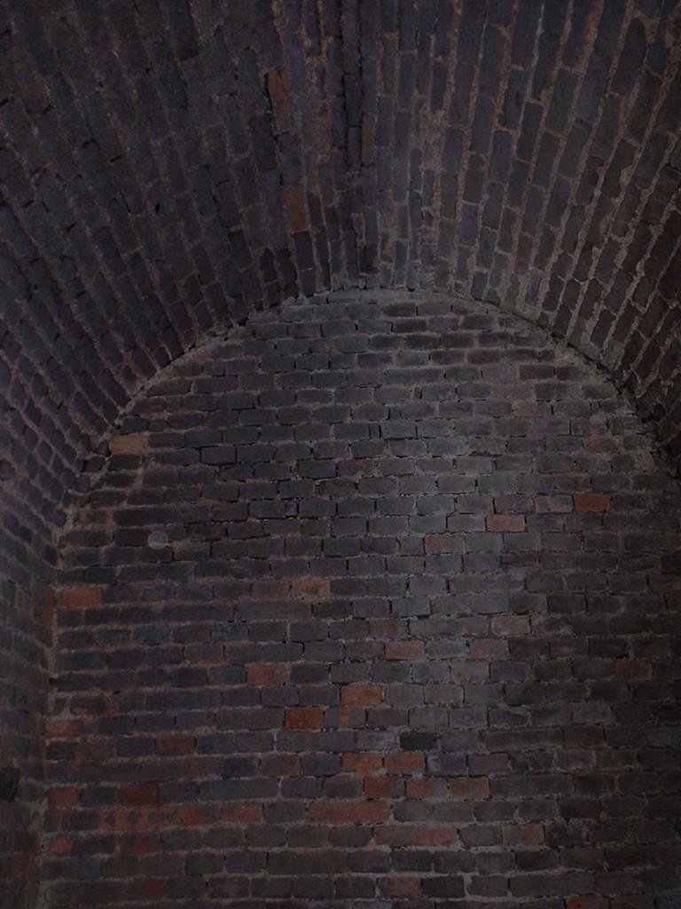 Původní pivovarská lednice - kaplička uprostřed chátrající stavby